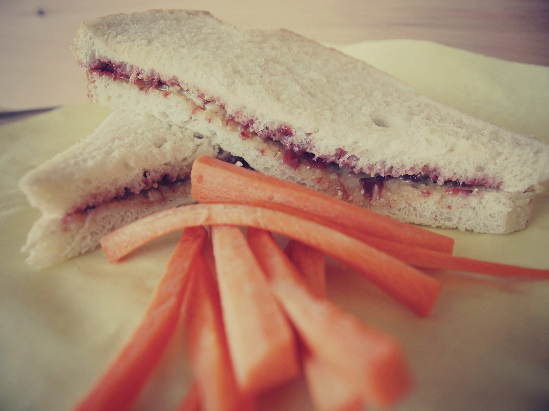 Pack Kids Lunches Sandwich Carrots